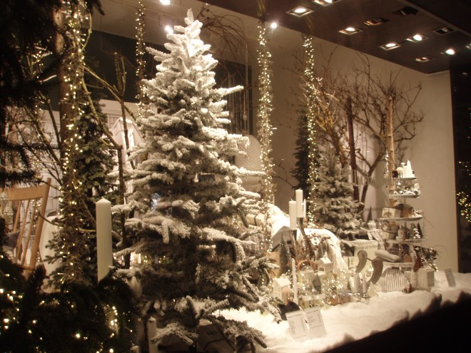 Christmas at the Royal Copenhagen shopfront